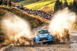 Jourdan Serderidis verovert de wereldtitel in de WRC Trophy