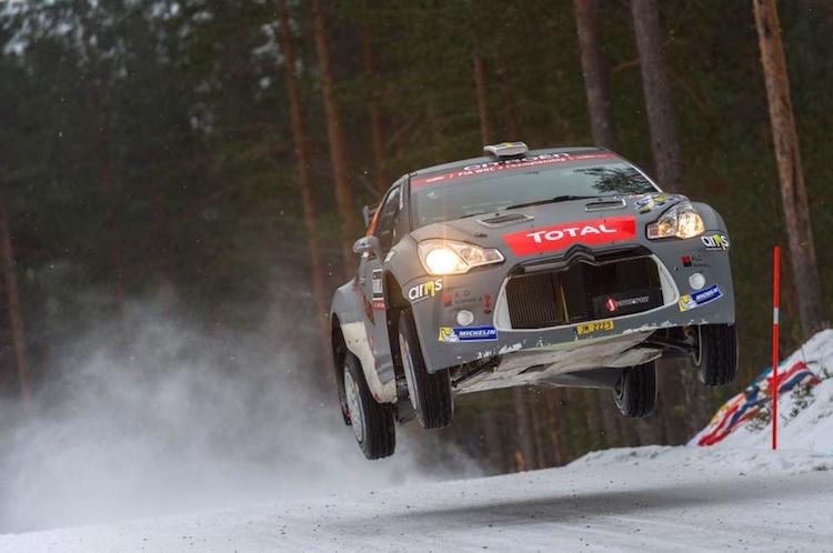 De twee DS3 R5's van J-Motorsport aan de finish in Zweden