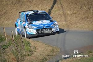 Dilley schenkt de Hyundai i20 R5 zijn eerste overwinning in Doornik