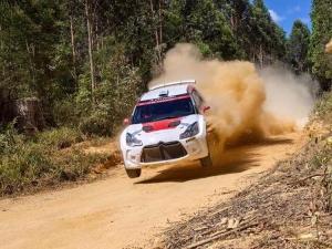 J-Motorsport aan de start van de Rally van Australië