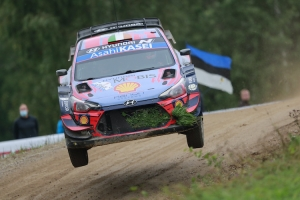 Craig Breen aan de start van de Aarova Rally