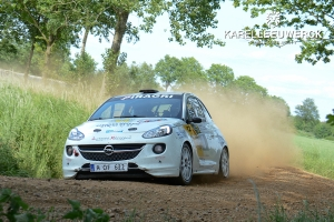Romain Delhez wint en pakt Junior Award in Sezoensrally